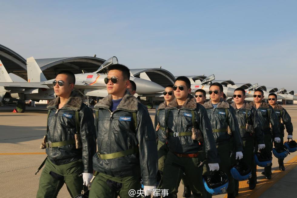 中国舰载战斗机部队新增12名飞行员2016.12.1 - fpdlgswmx - fpdlgswmx的博客