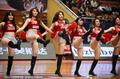 高清:篮球宝贝高踢腿助威 粉嫩热舞嗨爆全场