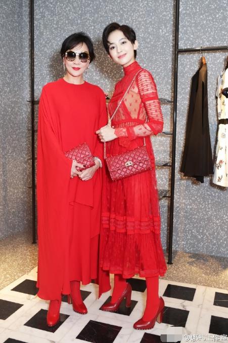 刘嘉玲娜扎穿红裙同框 谁比谁更美丽 (组图)