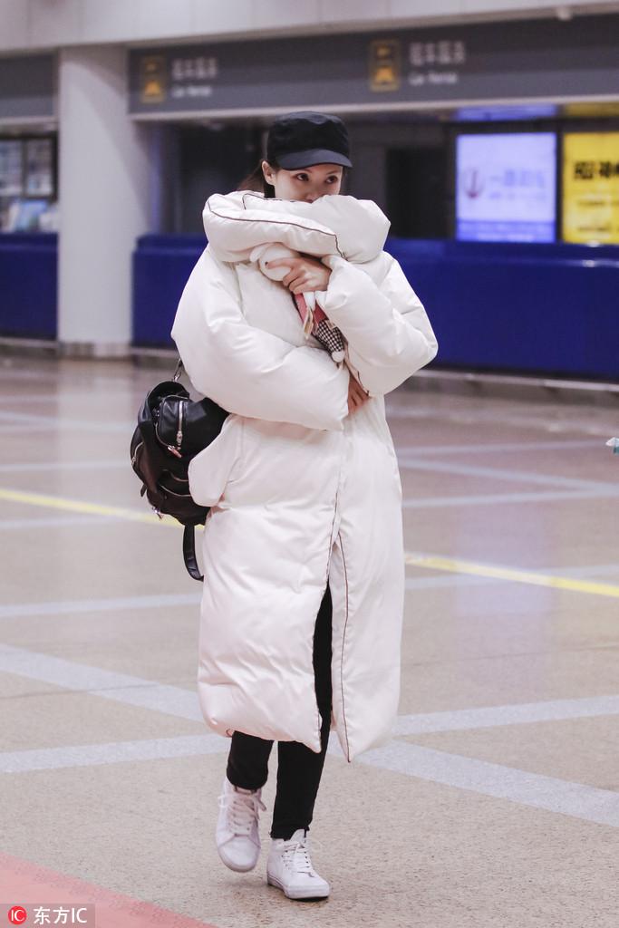 金晨北极熊大衣保暖有型