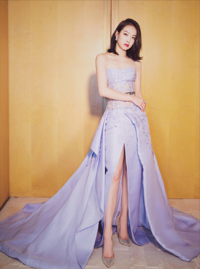 宋茜仙女裙衬出独特气质
