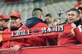 高清:上港客场挑战首尔 美女球迷为上港助威