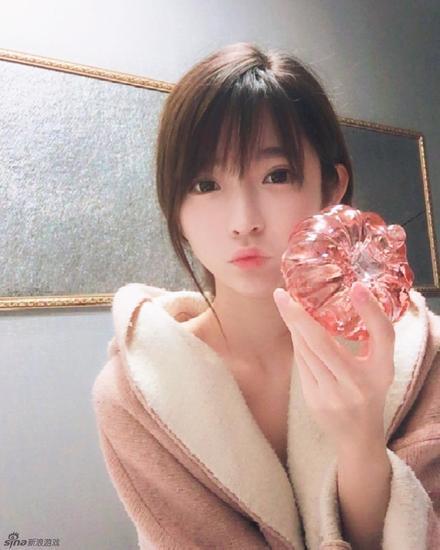 韩国第一美少女晒自拍照 美呆了!