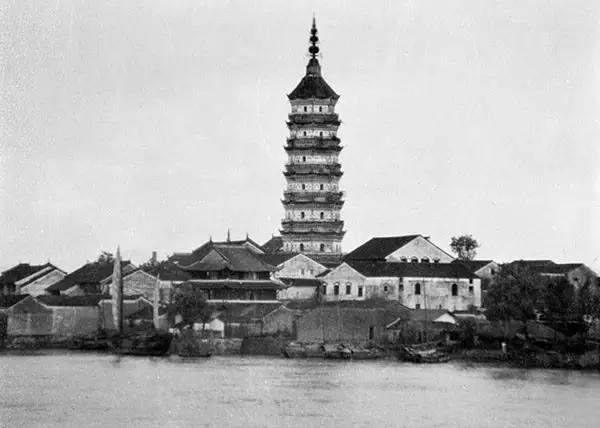 鞋盒里发现的中国老照片轰动世界 - 海阔山遥 - .