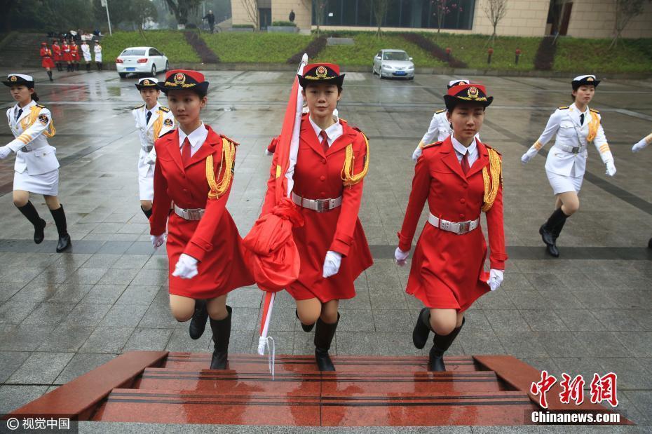 探访重庆唯一高校女子国旗班 平均身高1米68以上2017.3.14 - fpdlgswmx - fpdlgswmx的博客