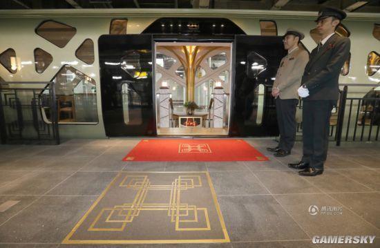日本超豪华列车坐一次7万 宛如奢侈酒店