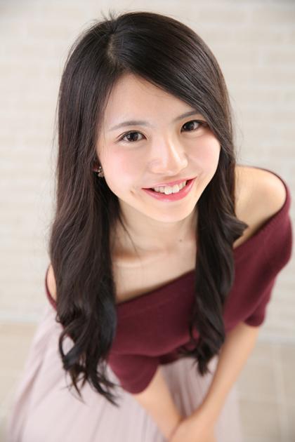日本最美女大学生出炉 酒窝萌妹被网友狂吐槽