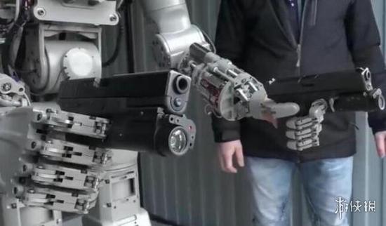 """俄罗斯最新战斗机器人能射击会开车 完虐日本""""高达"""""""