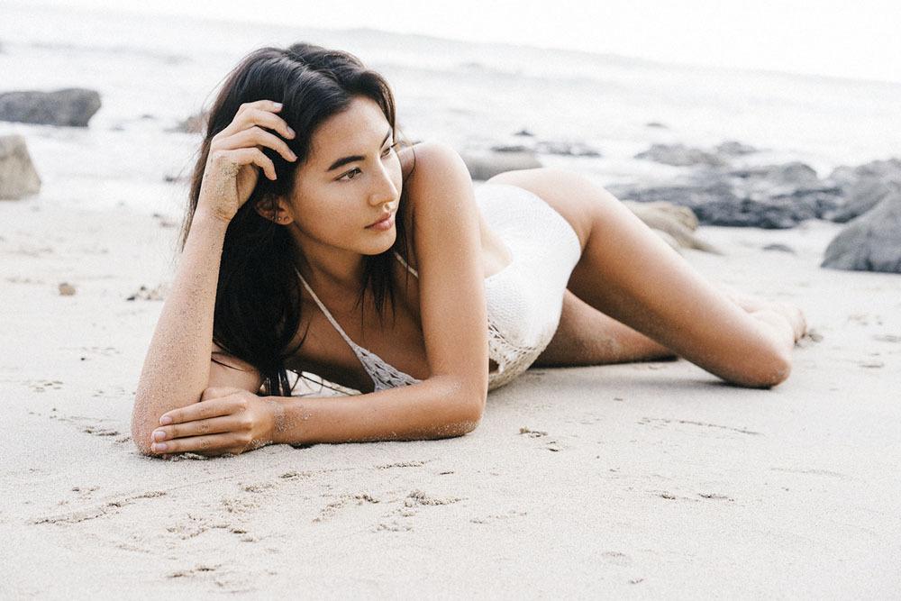 【泳装女神】翘臀夏威夷嫩模侧颜神似刘亦菲
