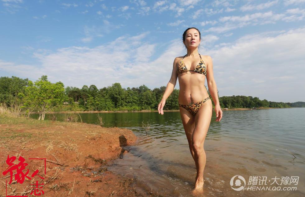 """信阳50岁""""健身女神"""" 梦想80岁仍穿比基尼游泳2017.5.9 - fpdlgswmx - fpdlgswmx的博客"""