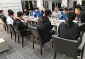 组图:国乒赛前难得放松休整 享用美味大餐