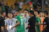 高清:国安苏宁赛后两队冲突 李昂吃黄伊马染红
