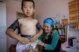 内蒙古乌兰毛都草原的搏克人家