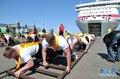 大力士拖动2万吨邮轮