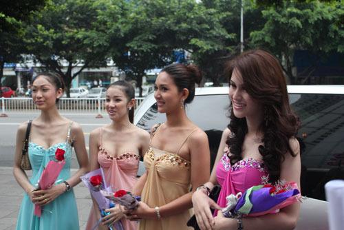 泰国变性人整形遭质疑 主刀医生澄清传言图片