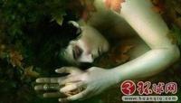 全球神秘事件大盘点:外星人宝宝和花园精灵