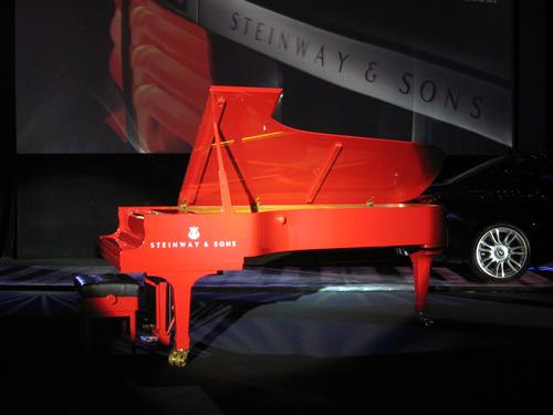 钢琴照片唯美图片红色