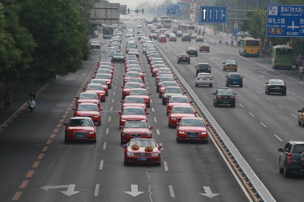 在高清:北京35辆奥迪婚车穿越长安街这里输入标题 - 海堂同乐  小车圣会 - 《海堂同乐 小车圣会》 博客