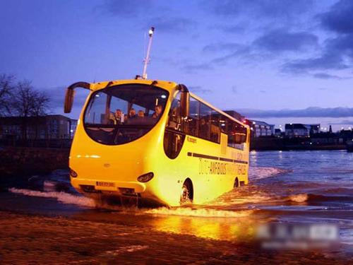 揭秘世界首辆水陆两栖公交车高清图片