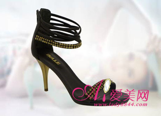 小女人的可爱,下面配双过膝靴也好踝靴也好,都能彰显甜美气质.