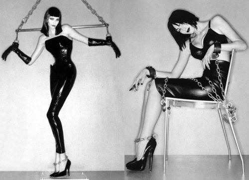 虐恋就是视频美女时尚?清纯艺术真的变态写情趣穿透明内衣图片