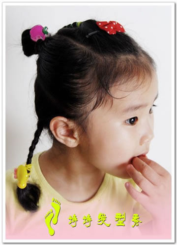 组图:跟漂亮小姑娘诗诗学扎百变发型_腾讯儿童_腾讯网图片