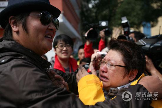 韩红谈与孙楠拥抱痛哭:有一个他 我知足了