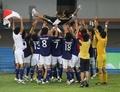 组图:日本男足2-0击败英国队 第5次夺得冠军