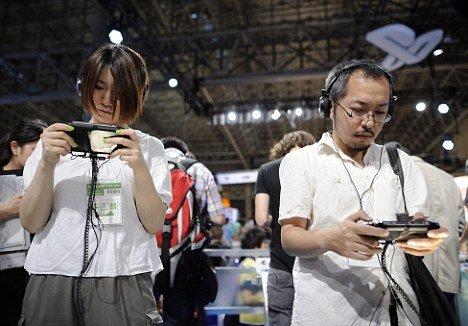 日本研发新型3D游戏:可以让人置身于其中(图) - 科学探索 - 探索发现 宇宙奥秘 自然地理