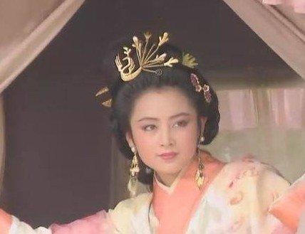 陈红在老版《三国演义》中饰演的貂蝉.虽然当时的化妆技术拙略,