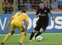组图:梅西两球追平传奇 比利亚传射巴萨大胜