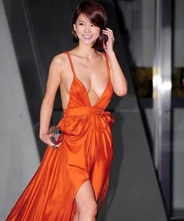 """服,成为在场最令人""""惊艳""""女星.韩国女演员在电影中的敬业尽"""