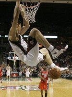 组图:阿联NBA生涯回顾 回归只是中断未终结