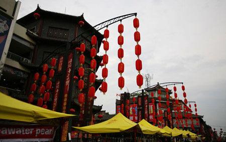 """著名的中华老字号""""真不同""""饭店也在老城.老城也是传统洛阳小吃"""
