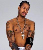 NBA球星半裸纹身彪悍照 皇帝霸气AI放荡不羁