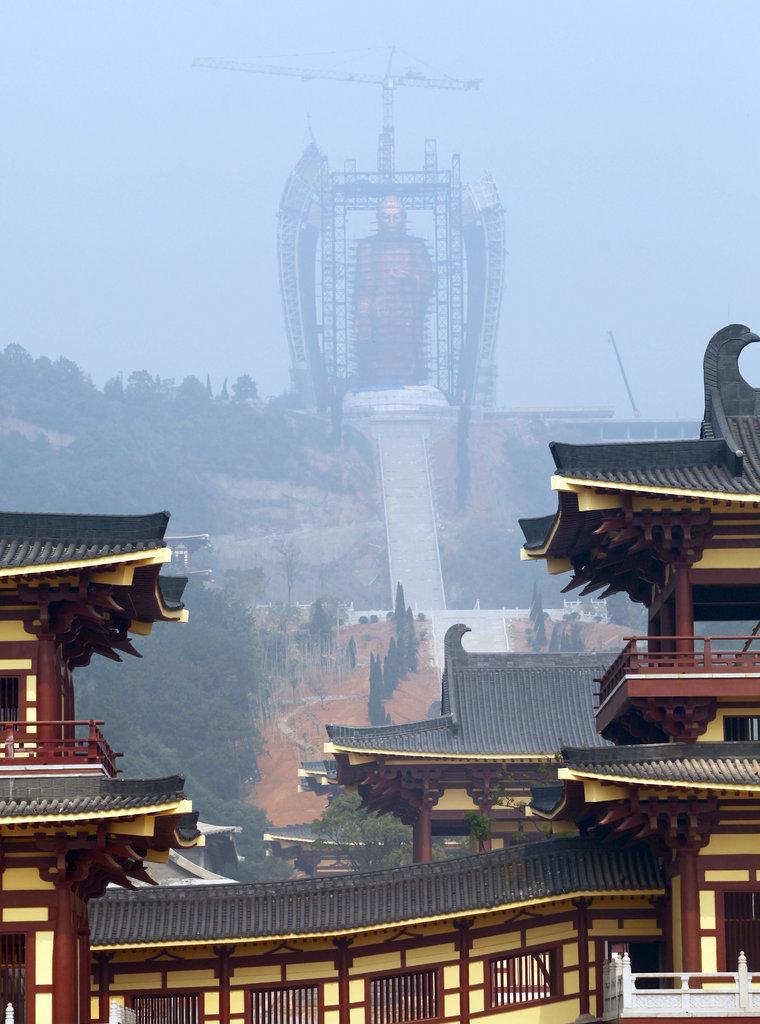 江西東林寺48米高阿彌陀佛像完成安裝