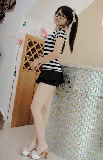 黑丝教主竟然是14岁初中女生_耀我时尚-刚长毛初中小女生视频,初图片