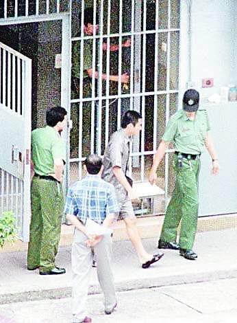 谢霆锋——处女座谢霆锋2002年3月撞车,由助手顶罪,结果于10月2图片