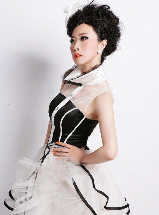 芙蓉姐姐光棍节写真 要为脱光再瘦身 女性