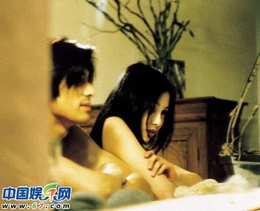 组图:盘点韩国情色电影中难以抵抗的男色诱惑