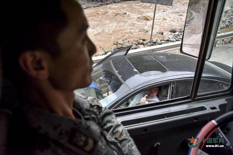 """川藏线上,这是汽车兵的专属""""风景""""2017.7.13 - fpdlgswmx - fpdlgswmx的博客"""
