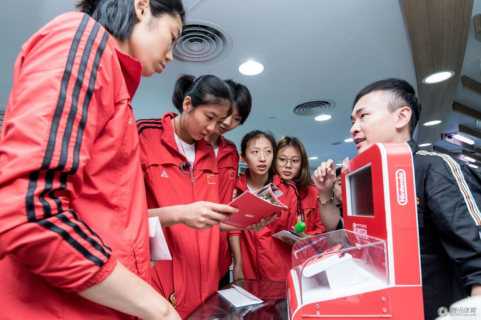 女排姑娘在香港购物 朱婷被游戏机吸引2017.7.19 - fpdlgswmx - fpdlgswmx的博客
