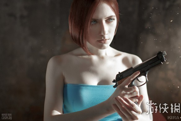 俄罗斯美女COS《生化危机3》吉尔 肤白貌美大长腿