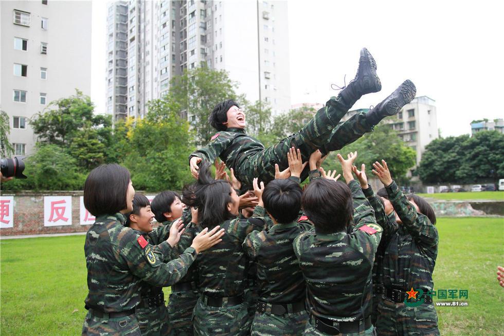 特战女兵退伍记录:我的特战服我的最美战衣2017.9.6 - fpdlgswmx - fpdlgswmx的博客