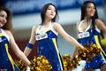 高清:火辣宝贝助威篮球亚冠 青春靓丽献热舞