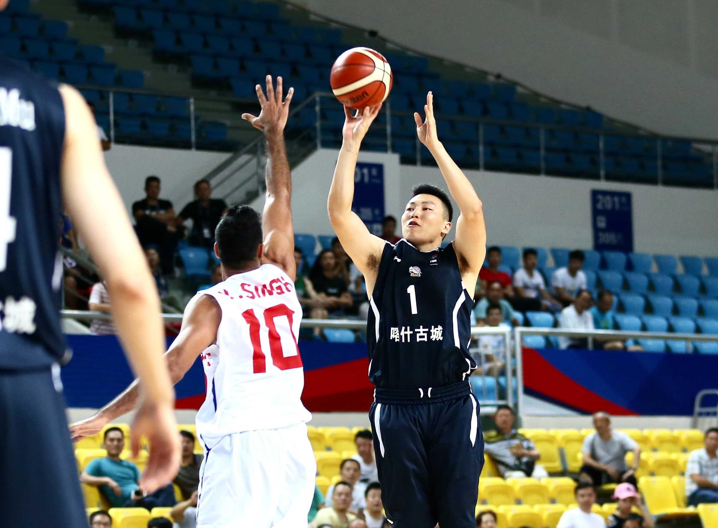 高清:新疆男篮大胜印度冠军 李根迎复出首秀