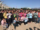 高清:国脚进孤儿院献爱心 尹鸿博变身孩子王