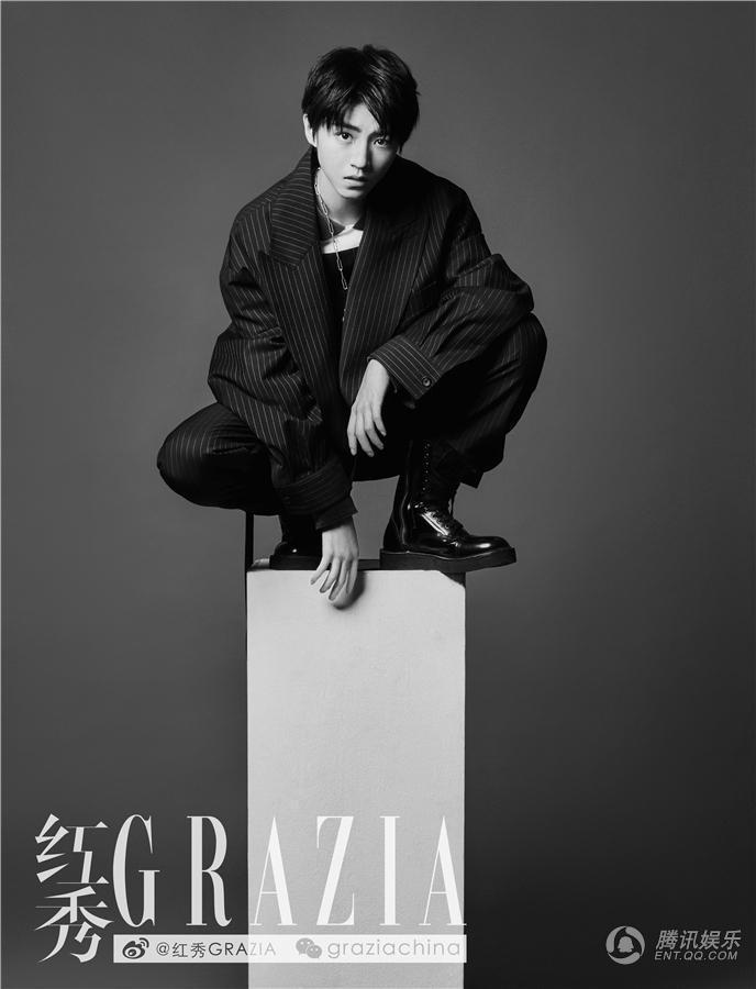 最新封面大片曝光,为今年王俊凯登上《时尚芭莎》金九、《Vogue