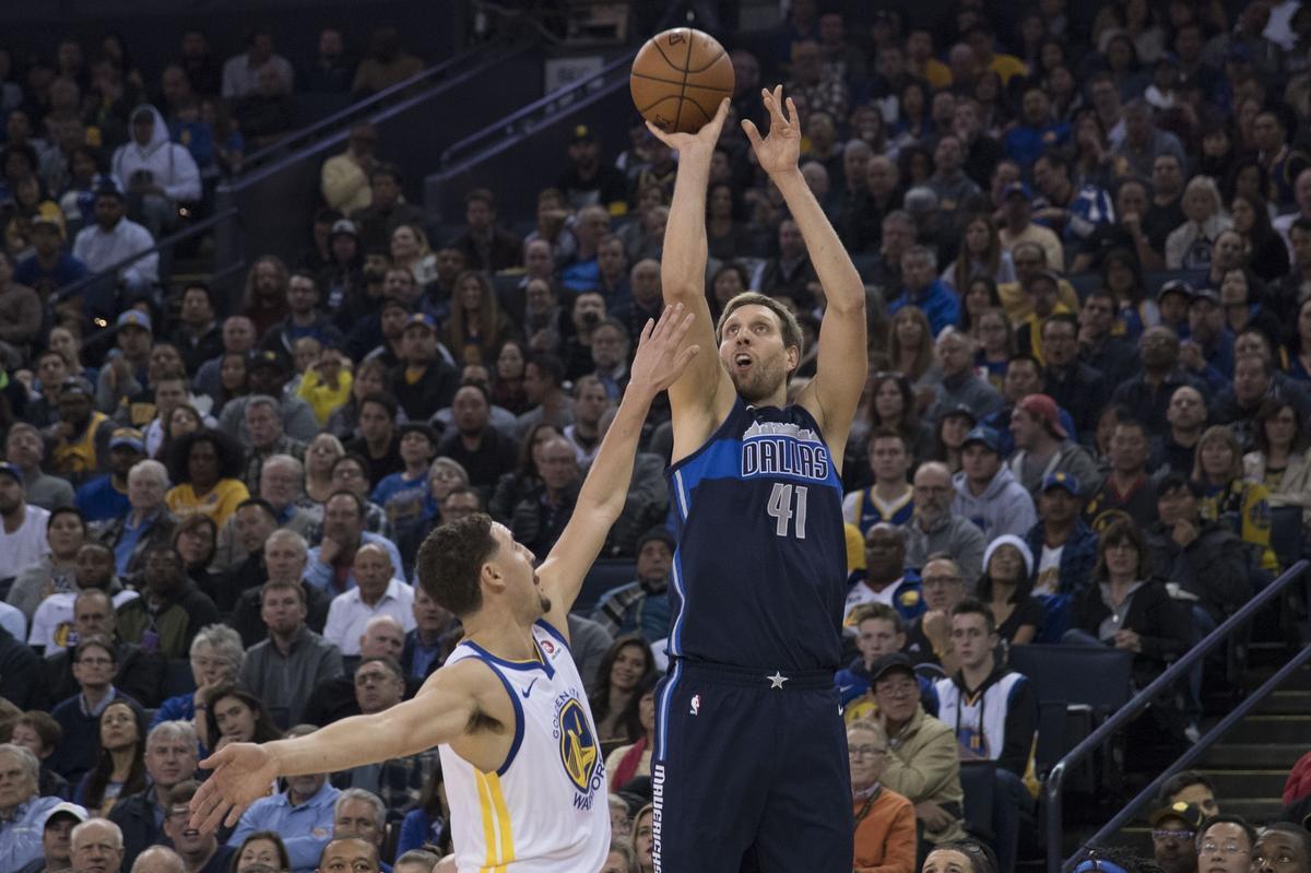 諾天王18分9籃板均為全隊最高,表情焦急他真的還想贏!(影)