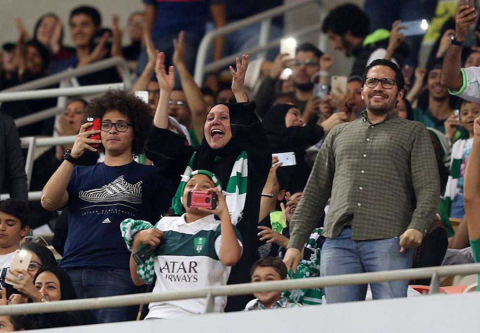 西班牙足球甲级联赛2015_沙特足球超级联赛排名_沙特足球联赛